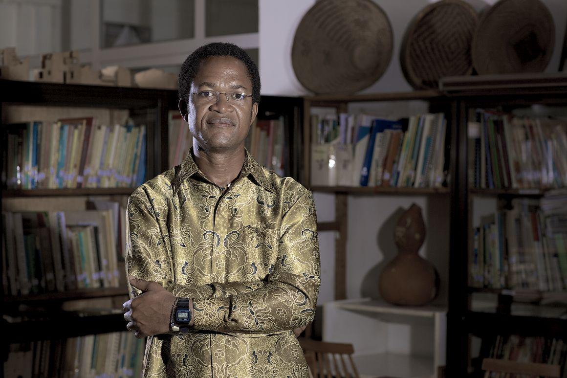 """""""A meu ver o povo angolano está anestesiado"""", diz Paulo Faria"""
