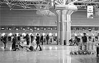 O instituto que regula a aviação diz que esta é uma sugestão que decorre das novas regras de segurança aplicadas à aviação civil
