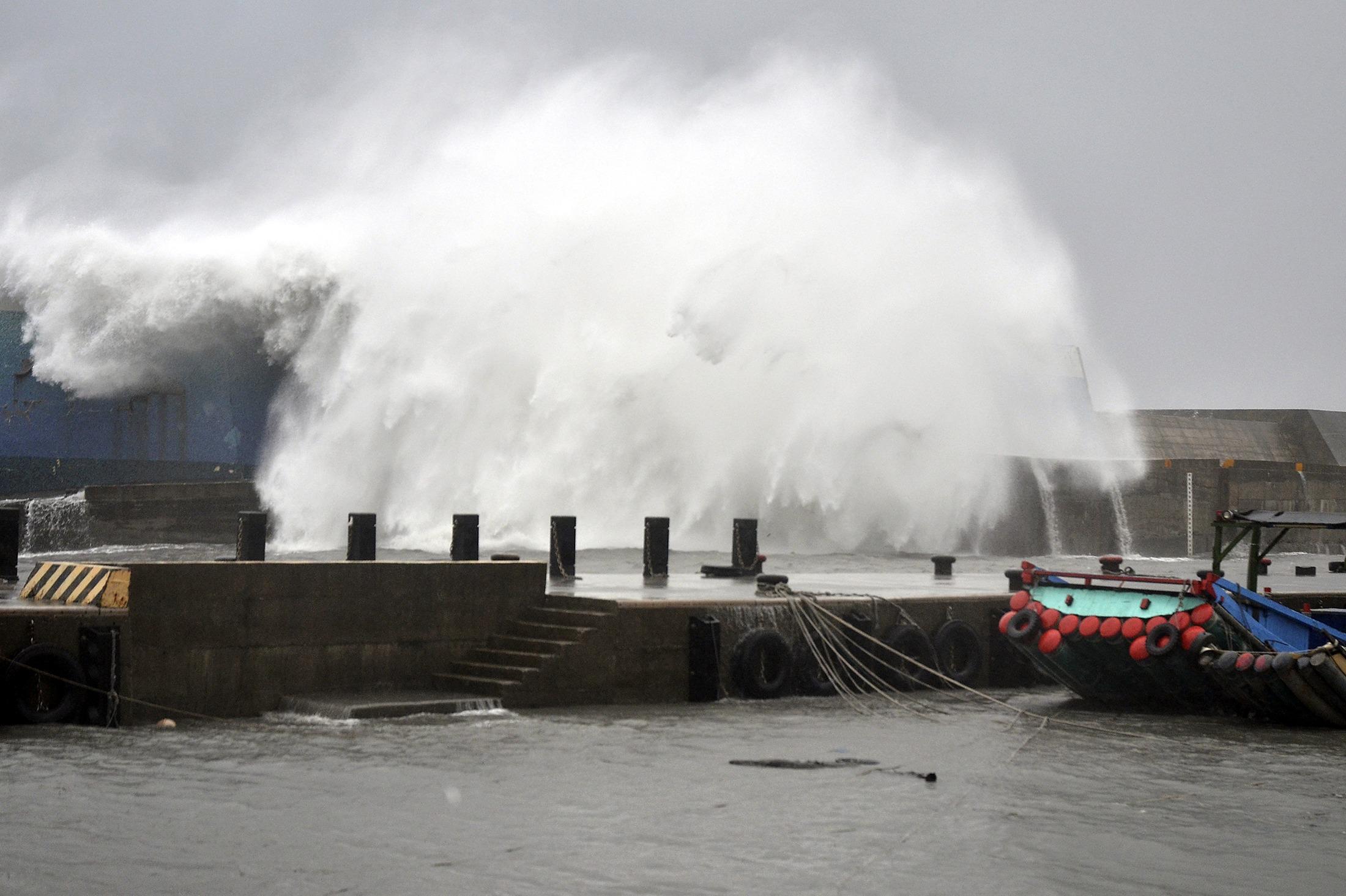A força da água num porto de Taiwan