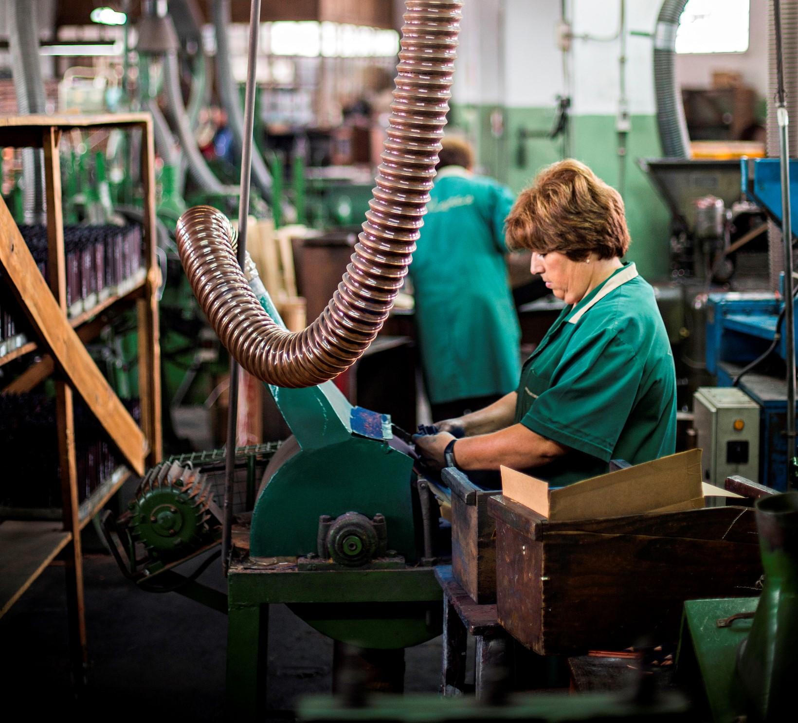 Mostrar fábricas por dentro dá resultado e lucro em São João da ... - Público.pt